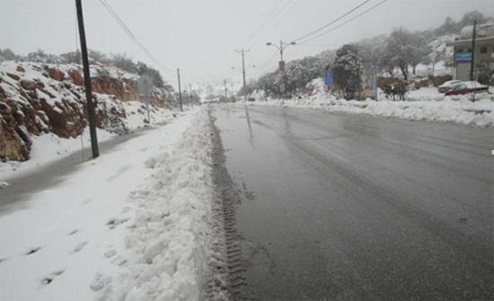 تجدد تساقط الثلوج على المرتفعات في عجلون