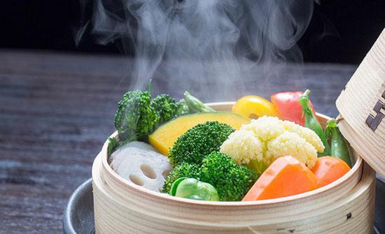 تسخين الطعام أم أكله باردا.. أيهما أفضل؟