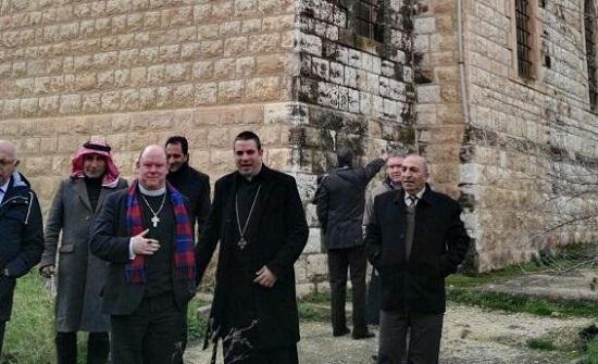 لاجئون يؤكد للمطران ديريك براوننغ تمسكهم بحق العودة وعروبة القدس