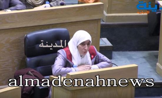 بالفيديو : التسجيل الكامل لكلمة  ديمة طهبوب وجدالها مع لينا عناب حول طريق درب الأردن  ورد الملقي