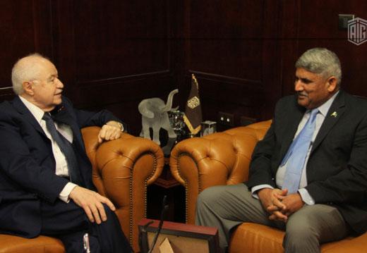 أبوغزاله يستقبل السفير الباكستاني الجديد في عمان سعادة الجنرال جنيد روحمات