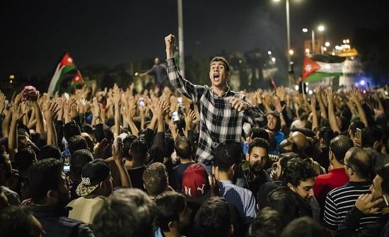 الرزاز : السلمية ميزت الاحتجاجات في الأردن .. ولم افكر في الاستقالة
