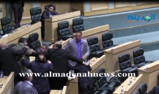 مشاجرة يحيى السعود ومعتز أبو رمان ( صور وفيديو )