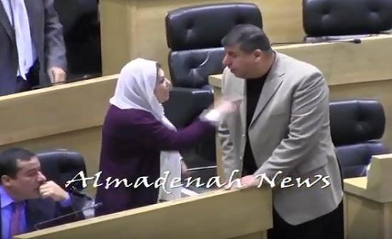 بالفيديو :  السعود يحاول تهدئة انصاف الخوالدة بعد تصريحات هديب