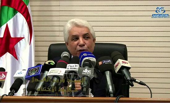 منع سفر وزير العدل الجزائري السابق لارتباطه بقضايا فساد