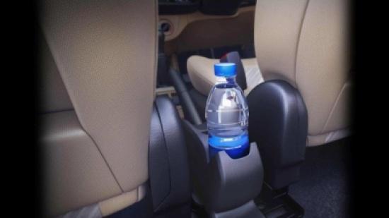 بالفيديو - إياكم ترك عبوات المياه البلاستيكية في السيارة