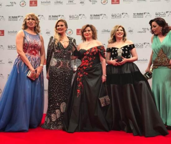 بالصور: أفضل إطلالات الفنانات في افتتاح دبي السينمائي الدولي 14