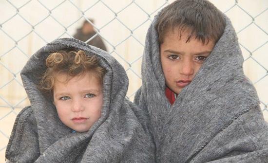 القوات المسلحة تغيث اللاجئين السوريين في ام الرصاص