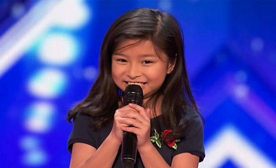 طفلة الـ9 سنوات تتحدّى المغنين الكبار.. أداء أذهل الجمهور!