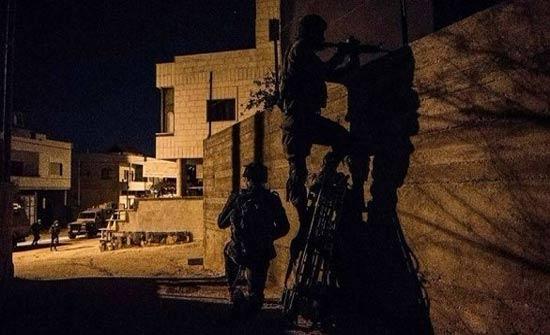 اعتقال 18 فلسطينياً في مداهمات للاحتلال الإسرائيلي بالضفة