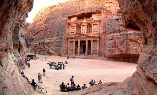 من الانباط الى اردن اليوم: الحضارة في قلب القسوة