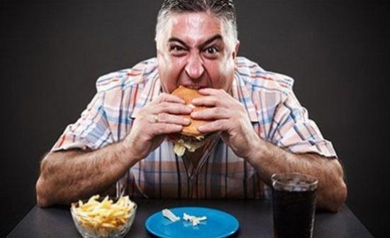 فيديو: هل الأكل على جنابة يورّث الفقر؟