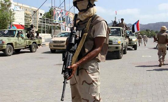 مقتل 13 شخصا بينهم 5 مدنيين بتجدد الاشتباكات في عدن