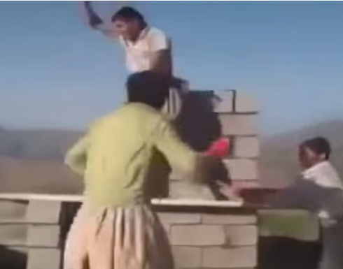 d39cfa78e بالفيديو : عمال بناء يرقصون اثناء العمل - المدينة نيوز