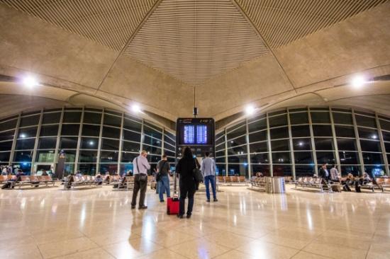 """""""المطار"""" يسجل ارتفاعاً 6.8% بعدد المسافرين"""
