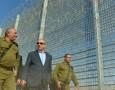 بالصور : نتنياهو يتجول على الحدود الأردنية الاسرائيلية
