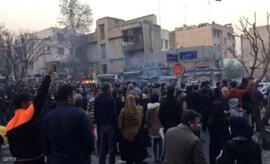 اعتقالات بالآلاف والنظام الإيراني يشهر سلاح الإعدام
