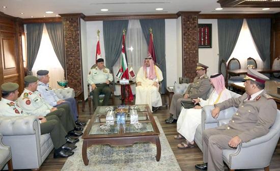 فريحات ووزير الدولة لشؤون الدفاع القطري يبحثان التعاون