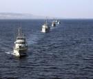 انتشال زورق صيد غرق في المياه الاقليمية الأردنية