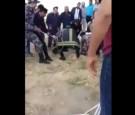 بالفيديو: عملية انقاذ طفل سقط في بئر ماء في مرج الحمام
