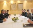 الملك يلتقي الرئيس البلغاري ووزير الدفاع البريطاني وقائد قوات الناتو في أوروبا والسناتور الأميركي ماكيين