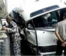 """7 إصابات في حادث سير بين """"حافلة وشاحنة"""" على طريق السلط (صور)"""