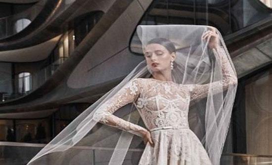 بالصور: نعيم خان يطرح مجموعته الجديدة لفساتين زفاف خريف 2019