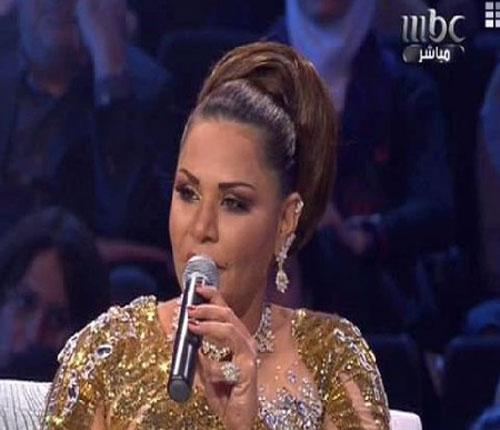 """مليون و300 ألف دولار ثمن فستان احلام في """" ارب آيدل""""(صور)"""