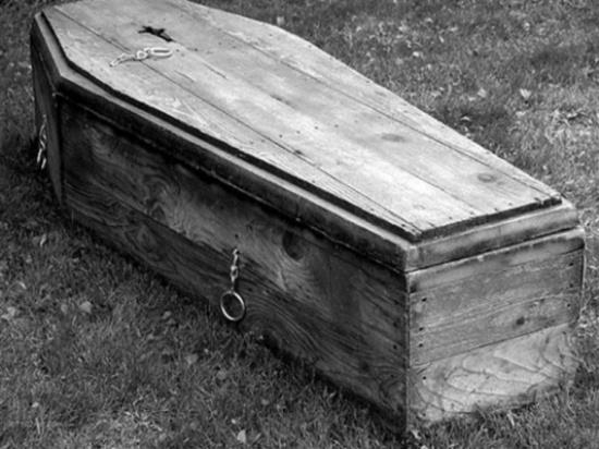 هل تفضل الموت وحيدا.. أم الموت وسط أحبائك؟