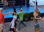 صراع لمراقصة فتاة ينتهي بالضرب