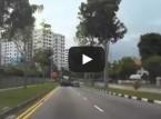بالفيديو : سائق تاكسي عجلان يتسبب في حادثة