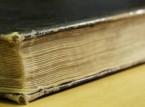 بالفيديو: كيف تقرأ الكتاب وهو مغلق؟
