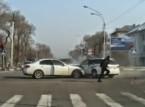 أغرب رد فعل لسائق اصطدم بسيارة أخرى