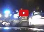 فيديو : رجل أسود أعزل يتعرض للضرب من طرف الشرطة