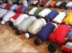 شاهد.. لحظة وفاة مصلي اثناء الصلاة