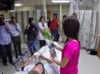 طلب يدها في المستشفى فقفز من فراشه عندما وافقت!