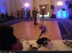 أب يحول زفاف ابنته لمباراة