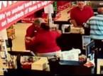 شاهد: رد فعل المتسوقين لحظة وقوع زلزال في أمريكا