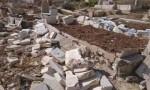 مجهولون يعتدون على مقبرة في اربد.. والأمن يحقق