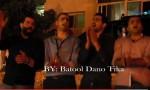شاهد بالفيديو : شباب في تلاع العلي يحتفلون بالإنتخابات في الشارع العام والشرطة تراقب