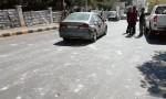 بالصور - عمان : مشاجرة طلابية تخللها تحطيم مركبات ومحلات تجارية