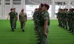 بالصور : الملك يزور قيادة القوات الخاصة السنغافورية ويحضر تمرينا عسكريا