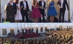 بالفيديو : حفل غنائي للجنود الروس في اللاذقية