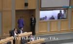 بالفيديو : الدغمي يخرج من القبة غاضباً بعد جدال مع الطراونه