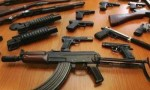 القبض على 750 شخصا ضبط بحوزتهم 895 سلاحا ناريا