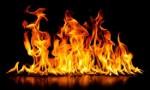حريق بمخلفات وأثاث مستعمل في عمان