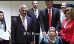 بالفيديو : فرحة والدة الكاتب سمير المبيضين بإشهار كتابه  إدارة أزمة احتجاز الرهائن والإختطاف