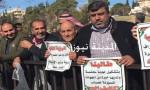 بالصور : شركات الحج تصعد ضد عربيات وعناب وتعتصم قبالة النواب