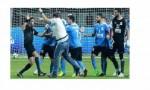 بالفيديو : لاعبو الفيصلي يعتدون على حكم مباراتهم مع الترجي