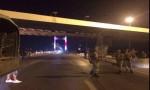 بالفيديو.. الجيش التركي يغلق جسري البسفور والفاتح